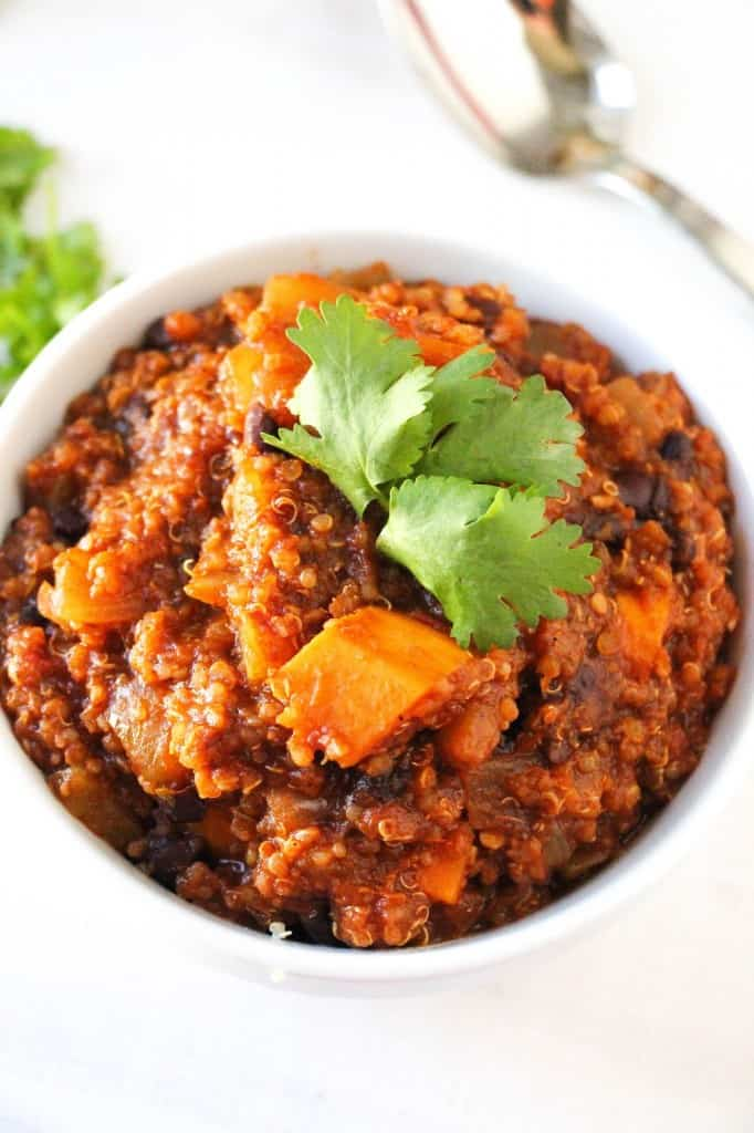 Mango Jalapeño Black Bean Quinoa Chili. - Layers of Happiness
