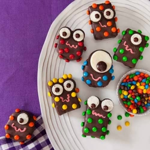 halloween-cute-food-treats-sweets-candy-cupcakes-for-kids-children7