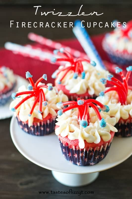 Twizzler-Firecracker-Cupcakes-are-so-fun-for-a-July-4th-party