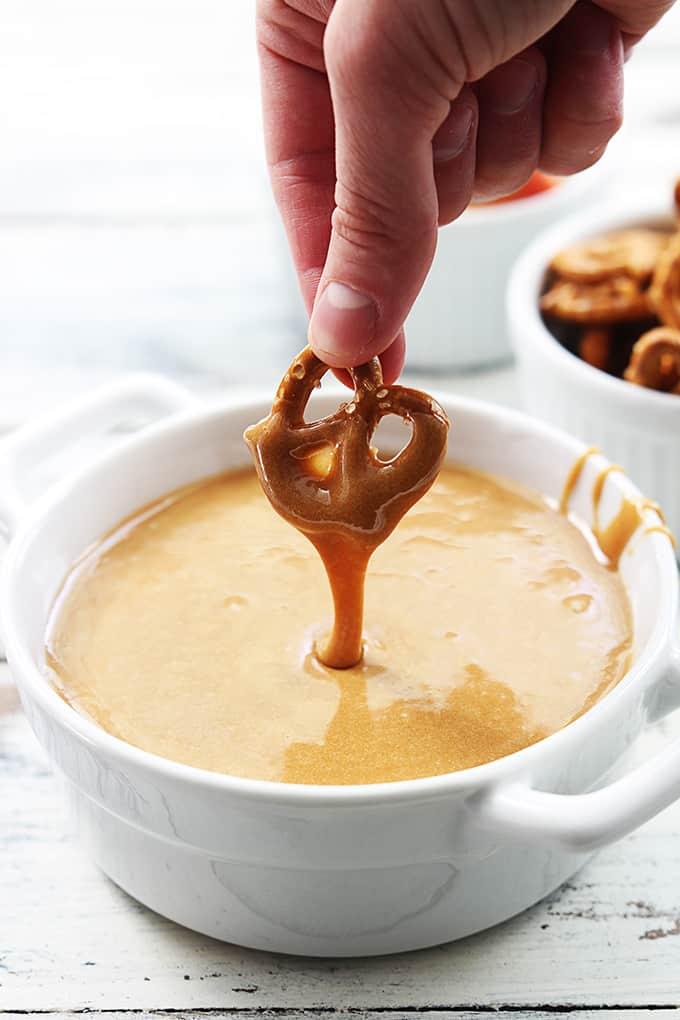 caramel-fondue-dip-6
